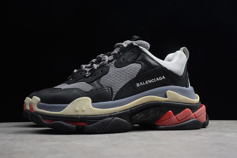 Giày Balenciaga Triple S đen đỏ BTS04