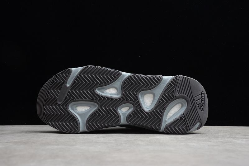 Giày Adidas Yeezy 700 V2 Hospital Blue AY703