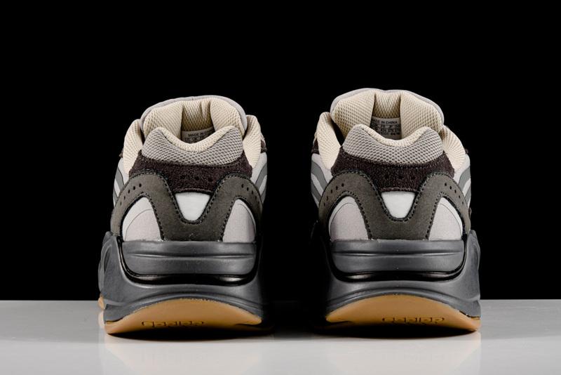 Giày Adidas Yeezy 700 V2 Tephra AY702