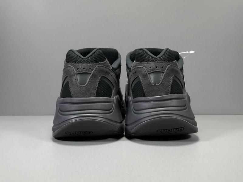 Giày Adidas Yeezy 700 Vanta AY701