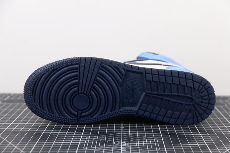 Nike Air Jordan 1 Retro High Obsidian UNC NAJ12