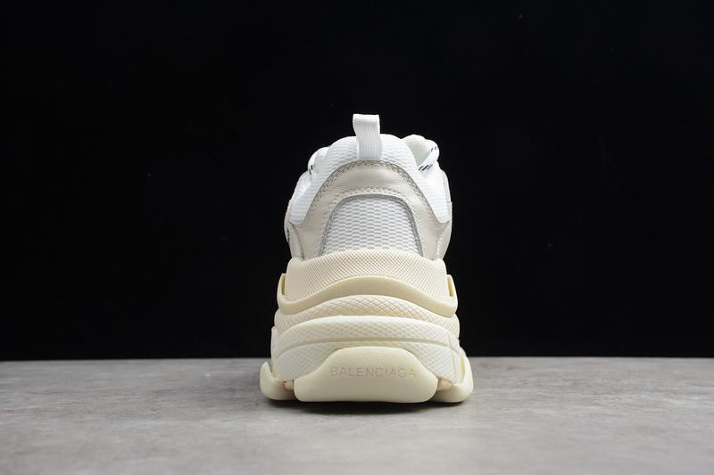 Giày Balenciaga Triple S White BTS07