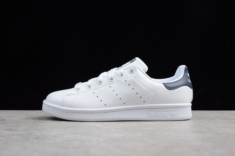 Giày Adidas Stan Smith gót xanh navy