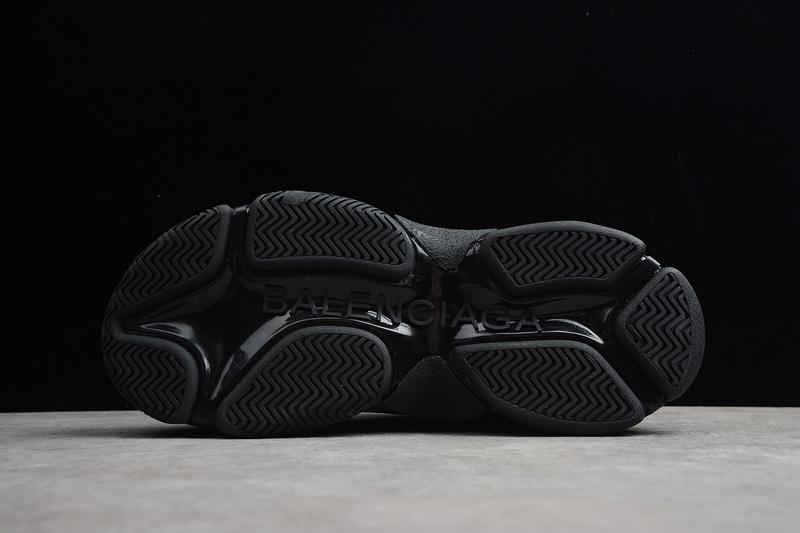 Giày Balenciaga Triple S Black BTS02