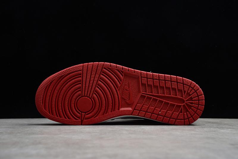 Giày Nike Air Jordan 1 Retro High Og 'Black Toe' NAJ47