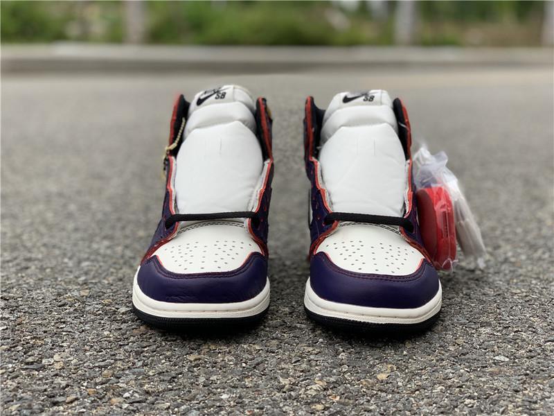 Nike Air Jordan 1 Retro High OG Defiant SB LA to Chicago NAJ18