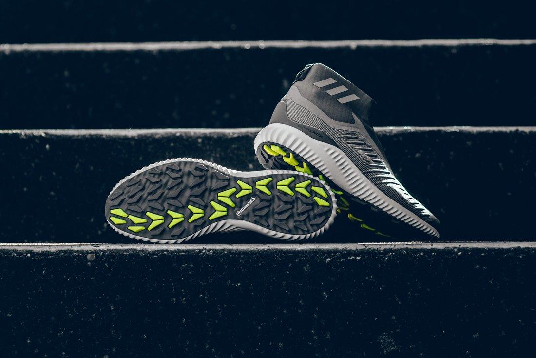 Adidas AlphaBounce là mẫu giày được yêu thích bởi hàng triệu tín đồ giày thể thao hiện nay