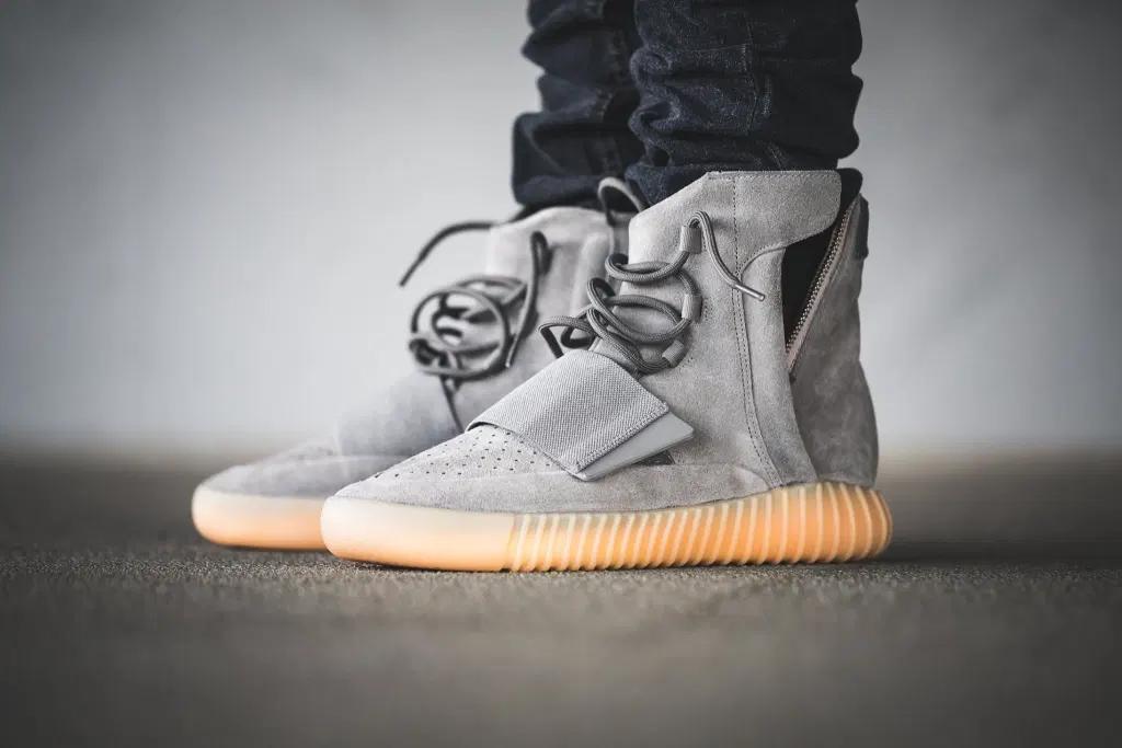 Adidas Yeezy Boost 750 là thiết kế đầu tiên mà Kanye và Adidas colab