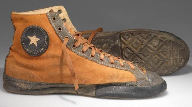 Giày Converse All Star thân bằng vải bạt màu nâu