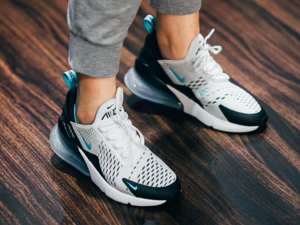Giày Nike Air Max 270 có khung giá tương đối cao nếu là hàng auth
